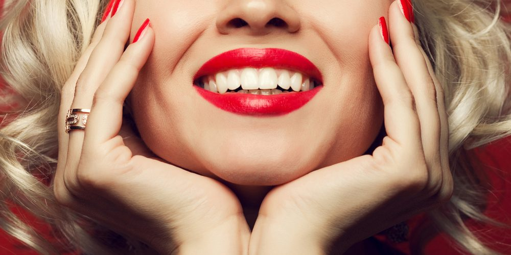 June is National Smile Month! By Dr Lee Lichtenstein
