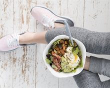 How to eat more protein and improve athletic performance