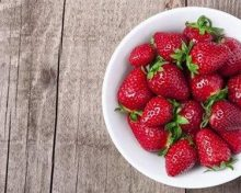 6 surprising health benefits of strawberries