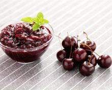 Deck the halls with cherry preserves! Give your holidays a healthy twist